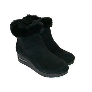DKNY Women's Black Suede Boots Size 6.5M
